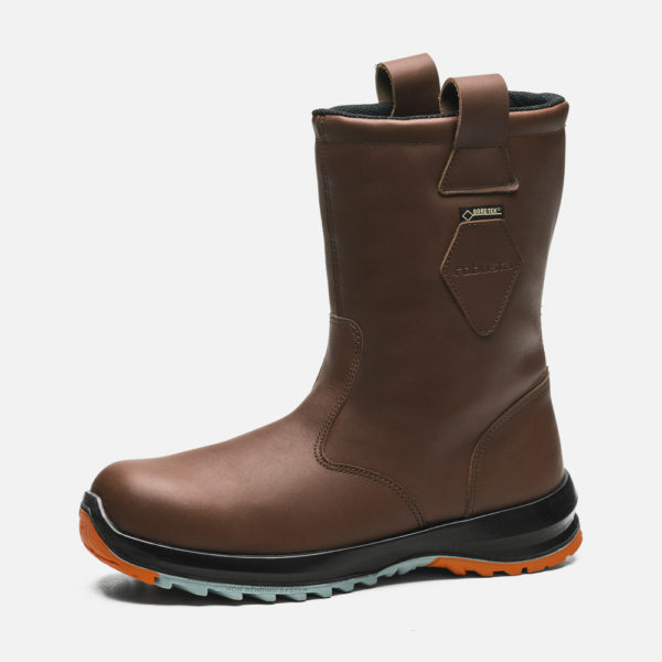 Safety footwear, GTX ISASA BROWN model